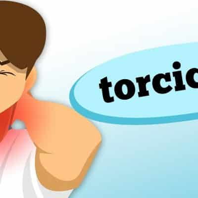Por que desenvolvemos problemas de torcicolo? Descubra no vídeo de hoje como identificar estes sintomas, suas causas e qual especialista buscar nestas situações, com as informações do ortopedista Guilherme P. C. Meyer